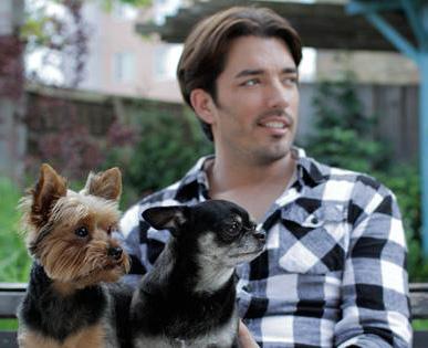 Jonathan Scott has a big heart for small dogs. Photo courtesy Jonathan Silver Scott, Facebook